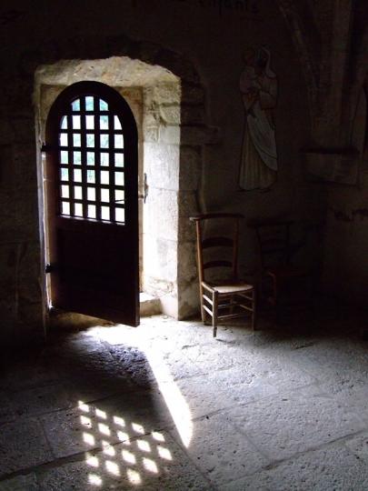 Porte de la chapelle de Vailhourles - Denis Marragou