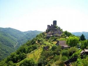 chateau-de-vallon-12-lacroix-barrez-vallee-de-la-truyere-dadorf.ch-blogueur 1